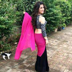 Lovely saree😘😘😘 Lehenga Style Saree, Saree Dress, Sari Blouse, Half Saree Designs, Saree Blouse Designs, Sarees For Girls, Indian Actress Pics, Sari Design, Indian Fashion Trends