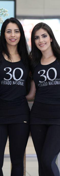 """FERIADO NACIONAL ☼ Lançamos nossa nova coleção """"Costa Dourada"""", na quinta-feira 25. Junto ao lançamento do Verão 2017, celebramos 30 anos no mercado de moda praia e fitness."""