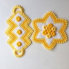 Free 100 crochet and knitting patterns. There are patterns for you, the kids and for baby. See all of your favorite 100 crochet patterns. Crochet Towel, Crochet Pillow, Crochet Doilies, Crochet Yarn, Free Crochet, Potholder Patterns, Afghan Crochet Patterns, Baby Knitting Patterns, Knitting Ideas