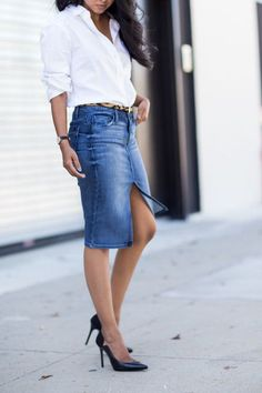 20 Modern Ways to Style a Denim Skirt for Spring - Denim And White - Ideas of Denim And White - 20 Modern Ways to Style a Denim Skirt for Spring center slit denim pencil skirt classic white button down and pointy pumps Denim Fashion, Look Fashion, Fashion Models, Fashion Outfits, Fashion Fashion, Fashion Online, Jean Skirt Outfits, Denim Outfits, Denim Skirts