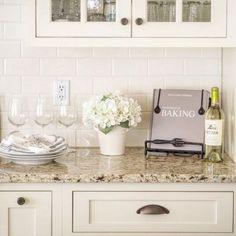 Kitchen backsplash tile ideas back splashes granite countertops Trendy Ideas Backsplash For White Cabinets, Best Kitchen Cabinets, Wood Countertops, Painting Kitchen Cabinets, Kitchen Backsplash, Backsplash Ideas, Granite Kitchen, Tile Ideas, Cream Cabinets