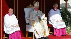 El papa Francisco declara santa a Teresa de Calcuta