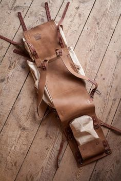 - Leather and canvas backpack 078 Notless Orequal Canvas Backpack, Backpack Bags, Leather Backpack, Crea Cuir, Leather Workshop, Back Bag, Leather Harness, Leather Bags Handmade, Leather Projects