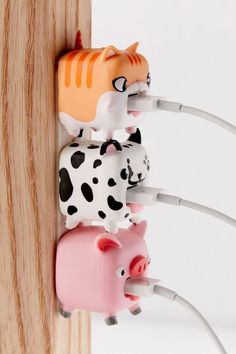 Shop Smartē Animal Pluggit at Urban Outfitters today. We carry all the latest styles, colors and brands for you to choose from right here. Cool Ideas, Cute Room Ideas, Cute Room Decor, Kawaii Room, Cool Inventions, Tech Gifts, Pet Accessories, Cool Gifts, Cheap Gifts