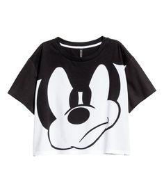 Beyaz/Mickey Mouse. Pamuklu jarseden kısa ve geniş tişört.