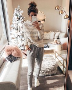 My favorite part about producing fluffy-roll-around-in-cozy-soft-to-touch content for you guys is…how much you girls love comfort. outfit lazy days My Favorite Comfy-Cozy Outfits - The Darling Detail Lazy Day Outfits, Cozy Winter Outfits, Cute Casual Outfits, Cute Lounge Outfits, Outfit Winter, Loungewear Outfits, Athleisure Outfits, Best Black Friday Sales, Mein Style
