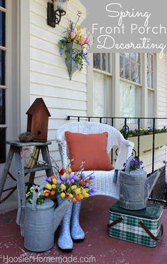 Porch Decor Ideas for Spring . 24 Beautiful Porch Decor Ideas for Spring . 23 Best Easter Porch Decor Ideas and Designs for 2017 Small Front Porches, Decks And Porches, Small Patio, Front Door Porch, Front Door Decor, Decoration Entree, Summer Porch, Winter Porch, Spring Summer