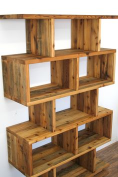 Colors reclaimed wood benches and barns on pinterest - Model de bibliotheque en bois ...