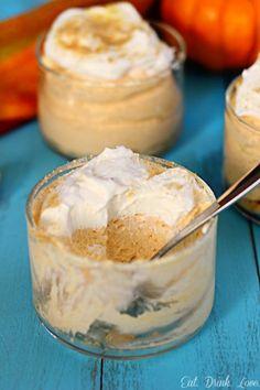 No-Bake Pumpkin Cheesecake - skip the oven and make these quick no-bake pumpkin chesecakes!