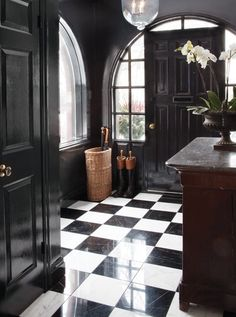 Why black and white will always be the perfect color pair in any home. — The Entertaining House - Home Design Black And White Tiles, Black And White Interior, Black White, Black Walls, White Marble, Black And White Flooring, White Walls, Black And White Office, White Chic
