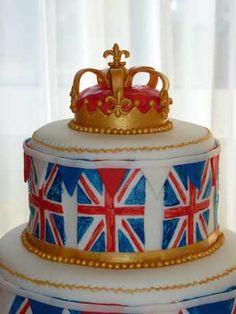 Union Jack Cake Close up of Crown
