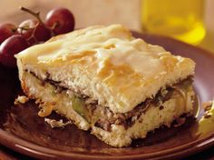 Philly Beef and Cheese Sandwich; Original Bisquick® mix provides a simple addition to this Philly beef and cheese sandwich – a scrumptious dinner! Philly Sandwich, Cheese Sandwich Recipes, Bisquick Recipes, Whats For Lunch, Glass Baking Dish, Ham And Cheese, Wrap Sandwiches, Beef Recipes, Savoury Recipes