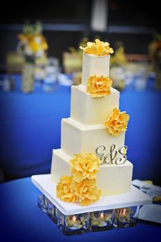 royal blue and yellow wedding cakes cakes for weddings on bling wedding cakes 19362