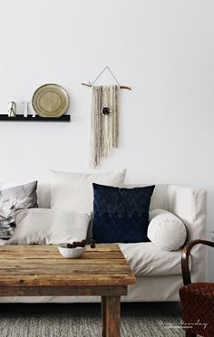 ....or floors like the wood of this table...also...coll wall hanging ;)