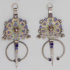 Morocco - Ida ou Natif | Pair of matching fibulae; silver and enamel. L: 18 cm