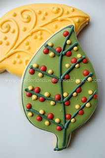 Gorgeous autumn leaf cookies