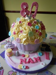Giant Cupcake - Themed for Ladies Big Cupcake, Giant Cupcakes, Lalaloopsy, Novelty Cakes, Dessert Recipes, Desserts, Ash, Cake Decorating, Birthday Cake