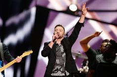 Timberlake scores his fifth solo No. 1 and his best sales week for any of his songs. Plus, Rihanna ties Michael Jackson for the third-most Hot 100 top 10s al...