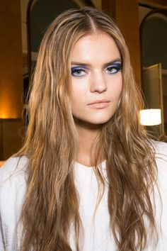 View all the photos of the beauty & make-up at the Versace haute couture spring 2015 showing at Paris fashion week. Kate Grigorieva, Russian Beauty, Atelier Versace, Beauty Make Up, Spring 2015, Backstage, Vogue, Long Hair Styles, Model