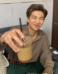 Jungkook Jimin, Kim Namjoon, Seokjin, Hoseok Bts, Bts Taehyung, Foto Bts, Bts Photo, Bts Memes, Bts Rap Monster