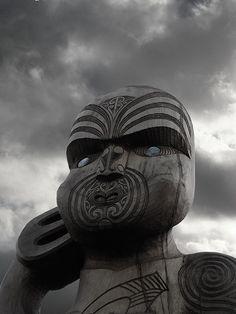 Maori carving by Neil Mackinder, via Flickr