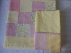 Enxoval de bebe - Jogo de lençol de berço com dobra feita em patch Para entrar em contato envie mensagem para teresi@globo.com ou www.facebook.com.br/maete.atelier
