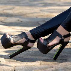 Taylor Says Fringe Heel Platforms