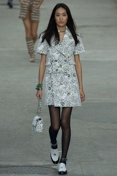 Chanel Spring 2015 Ready-to-Wear Fashion Show Collection