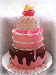Birthday cake in pink for a Little Girl