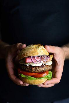 Rezept für vegetarischer Kidneybohnen Burger mit Ziegenkäse und karamellisiertem Rhabarber, Burger Foodblog, Ina Is(s)t Burger Co, Hamburger, Sandwiches, Low Carb, Ethnic Recipes, Food, Tacos, Lisa, Kidney Bean Burgers