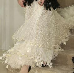 Marchesa - Detail, haute couture on We Heart It Dress Couture, Couture Fashion, Couture Details, Fashion Details, Fashion Design, Fashion Trends, Mode Chanel, Chanel Chanel, Chanel Pearls