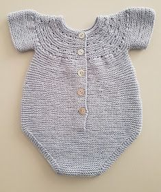 Baby Dress Pattern Free, Baby Shoes Pattern, Baby Dress Patterns, Baby Knitting Patterns, Knit Baby Dress, Baby Cardigan, Baby Girl Crochet, Crochet Baby Clothes, Tricot Baby
