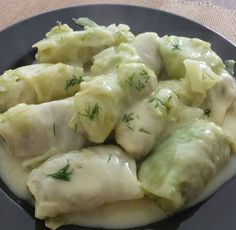 Λαχανοντολμάδες με φανταστική σάλτσα!! Vegetable Recipes, Meat Recipes, Cooking Recipes, Greek Cooking, Fun Cooking, Easy Healthy Recipes, Easy Meals, Minced Meat Recipe, Greek Dishes