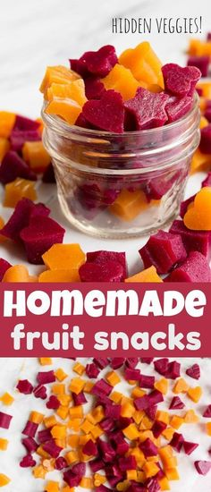 Healthy Homemade Fruit Snacks (with veggies!) - Dessert for Two Healthy homemade fruit snacks! Healthy fruit and veggie snacks for kids after school snack ideas. Lunch box ideas with hidden veggies. Grass fed gelatin fruit snacks for kids. Healthy Low Calorie Snacks, Healthy School Snacks, Good Healthy Snacks, Lunch Snacks, Healthy Fruits, School Snacks For Kids, Healthy Fruit Desserts, Healthy Snacks For Kids On The Go, Nutritious Snacks