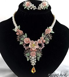 Beautiful flower jewelry by Alina Bondarenk-Bondarenko is jewelry artist from Russia. She makes beautiful jewelry with polymer clay flowers, glass beads, gemstones and wire