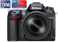 Nikon D-SLR D7000 + Obiectiv 18-105 VR