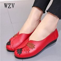 0290d460683 2018 Soft Women Shoes Flats Moccasins Slip on Loafers Genuine Leather  Ballet Shoes Fashion Casual Ladies