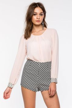 Блуза Размеры: S, M, L Цвет: розовый Цена: 1625 руб.     #одежда #женщинам #блузы #коопт