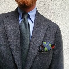A little outfit selfie. Sumisura soft tailored jacket from Gaiola Napoli in Fox Bros herringbone flannel. Bespoke shirt from Francesco Merolla Napoli. Wool tie from Drakes and pocket square from Monsieur fox  #wiwt #gaiola #gaiolanapoli #sumisura #foxbros #foxflannel #drakes #drakeslondon #monsieurfox #sartorial #bespoke #tailor #menswear