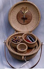 nantucket basket designs by joan pinney Sewing Case, Sewing Kits, Sewing Box, Sewing Tools, Old Baskets, Sewing Baskets, Wicker Baskets, Bamboo Crafts, Wood Crafts