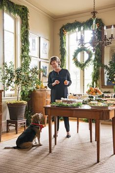 Hosting a holiday party this year? Check out these tips from stylish hostesses! These entertaining tricks will help you throw the perfect Christmas party. For more hosting and entertaining tips, head to Domino. Christmas Pictures, All Things Christmas, Christmas Home, Christmas Holidays, Christmas Crafts, Christmas Decorations, Happy Holidays, Southern Living Christmas, Christmas Interiors