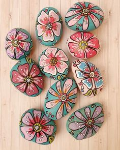 Stone Crafts, Rock Crafts, Arts And Crafts, Diy Crafts, Rock Painting Patterns, Rock Painting Designs, Pebble Painting, Stone Painting, Rock Flowers