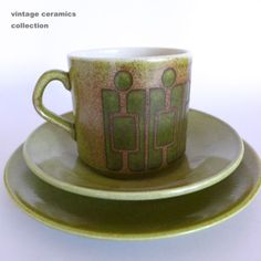 must find! Mug Shots, Vintage Ceramic, Kiwi, Cup And Saucer, Retro Vintage, Cups, Pottery, Crown, Plates