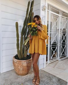 Matchy matchy! @hannah_perera channeling boho vibes in our Free Falling Dress in Mustard. Only a handful left so better be quick, babes! Shop yours via the link in our bio #hellomollyfashion