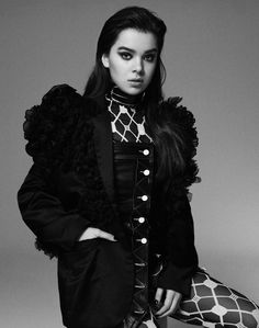 The Wall Group: Hailee Steinfeld