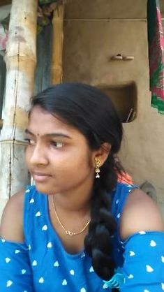 Video by Bandana Beautiful Girl In India, Beautiful Blonde Girl, Beautiful Girl Photo, Beautiful Indian Actress, Indian Long Hair Braid, Braids For Long Hair, Beauty Full Girl, Cute Beauty, Village Girl Images