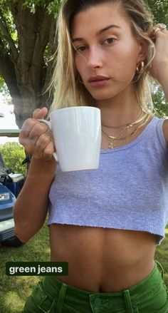 Estilo Hailey Baldwin, Hailey Baldwin Style, Mode Outfits, Short Outfits, Fashion Outfits, Fasion, Women's Fashion, Cute Outfits With Shorts, Brandy Melville Jeans