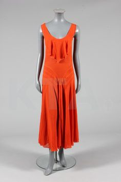 early 30s cocktail dress.  This would be a perfect summer party dress.  Love the color!