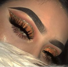 Orange brown eyeshadow cut crease w/ glitter liner