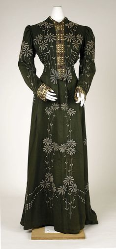 Dress 1901, American, Made of wool